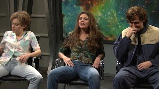 Ryan Gosling Can't Control Laughter During SNL Alien Abduction Skit
