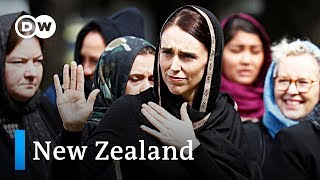 New Zealand falls silent for Christchurch victims | DW News