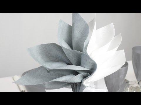 pliage de serviette en forme de palmier youtube. Black Bedroom Furniture Sets. Home Design Ideas