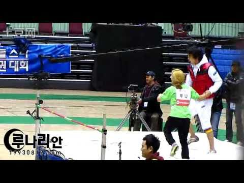 [close angle] 110123  f(x) Luna Wins High Jump & Onew crashes onto her + Minho
