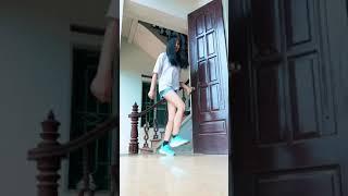 Clip Cố Gái Nhảy Shuffle Dance Save Me
