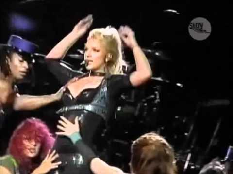 Britney Spears - Showdown (live RIR Lisboa 2004)