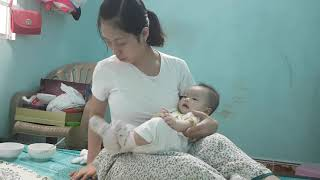 MOM AND BABY IN FUNNY FAMILY