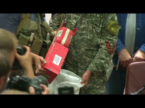 MH17 Investigators Look At All Clues - CNN  - QMjoVQT-g1c -