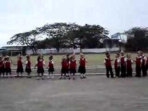 Colegio Americano de Guayaquil- Baile de los indios x los niños preescolar