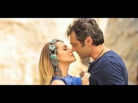 Baixar [Novela Salve Jorge]    Ayla flagra Zyah aos beijos com Bianca
