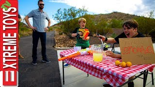 Extreme Lemonade Stand! Sneak Attack Squad Starts a Business!