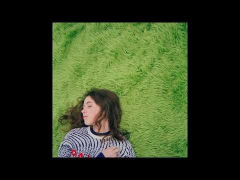 Clairo - Hello? (feat. Rejjie Snow)