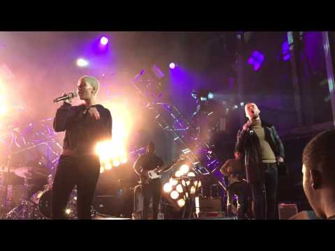 Jorja Smith - Carry Me Home ft. Maverick Sabre (Vevo Dscvr, Brooklyn, NY) 1/23/17