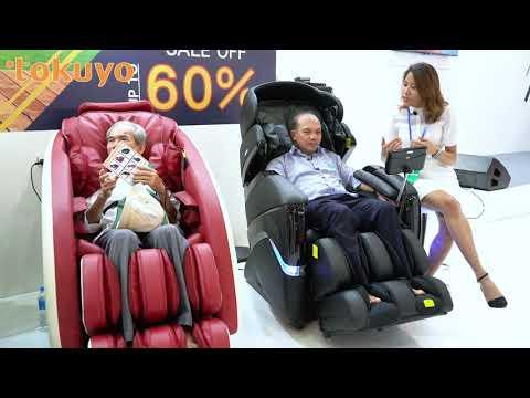 Rất nhiều khách hàng tham gia trải nghiệm ghế massage Tokuyo chăm sóc sức khỏe