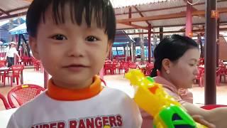 Trò Chơi Thả Banh, Bắn Cung, Tin và anh Hai đi Thung Lũng Tình Yêu | Kids Toy Media
