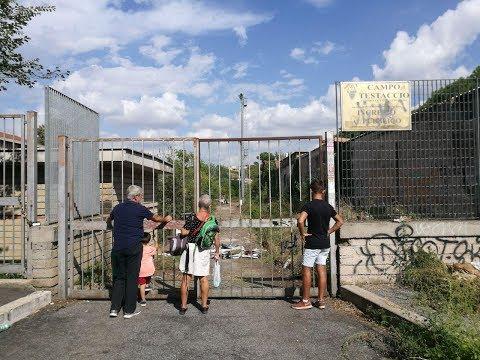 VIDEO - L'inizio dei lavori di bonifica a Campo Testaccio: demoliti i prefabbricati