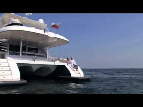 Power catamarans 0 00 catamaran power 70 luxury sunreef yachts
