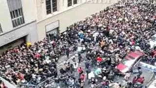 New York Daily News Raw Video: Chaos erupts at ...