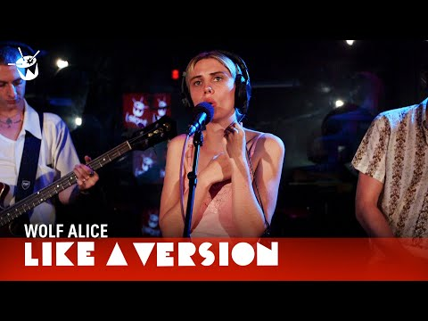 Wolf Alice - 'Don't Delete The Kisses' (live on triple j)