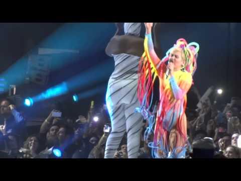 Baixar Miley Cyrus We Can't Stop Live Guadalajara Mexico 2014
