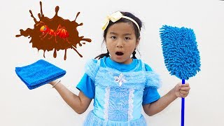 Jannie Pretend Play with Cleaning Toys for Ants Kids Video