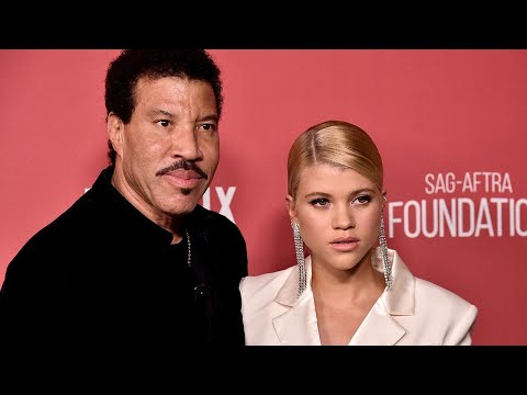 Lionel Richie on Daughter Sofia Dating Scott Disick: 'It's Just a Phase'