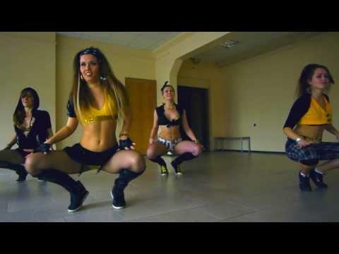 Reggaeton school battle by RAKATAKA dance team