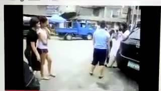 Nhóm Nữ Sinh đánh Nhau Bạo Lực, Lột áo