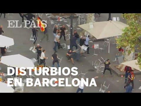 معركة الكراسي الطائرة تندلع في إسبانيا .. شاهد رد فعل الأمن!