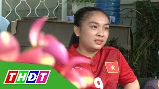 THDT - Nữ cổ động viên cuồng nhiệt với bóng đá Việt Nam