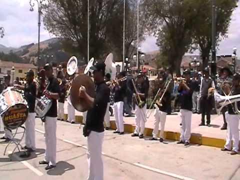 Gran Banda Show Filarmonica Huasta - En la plaza de Recuay 2012