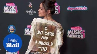 Jenna Ortega takes shot at Melania Trump on the red carpet - Daily Mail
