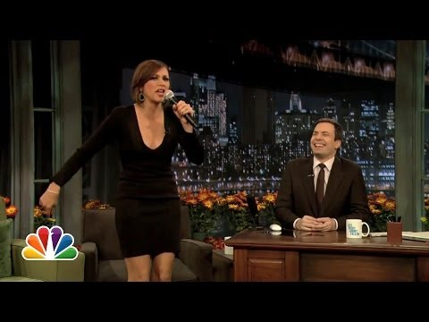 Rashida Jones: I Love Stuffing (Late Night with Jimmy Fallon ...