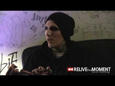 Baixar 2014.03.10 Interview #3 with Chris from Motionless in White (Live in Bloomington, IL)