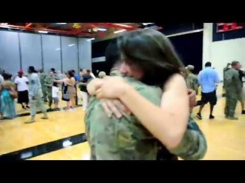 Baixar Rihanna - Stay (Veterans Tribute)