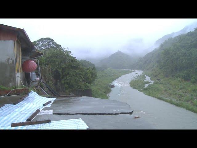中潭公路邊坡因雨滑動危及民宅