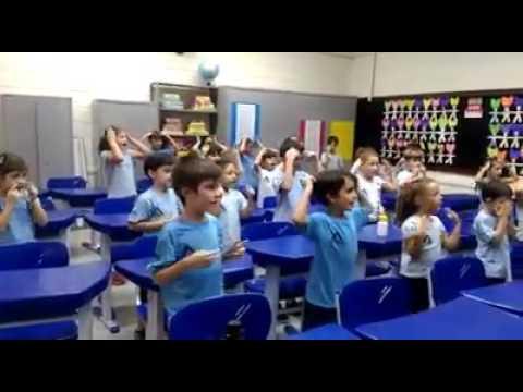 2° ano A - Aula de inglês com música!!