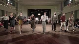 Jazz Beginners - The Jingle Ball (Feel Good Swing)