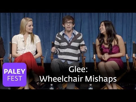 Glee - Wheelchair Mishaps: Amber Riley, Kevin McHale