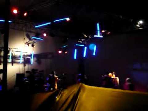 Los 7 Latinos El Perro Ron Nuevo EN VIVO TICUL 2010.wmv