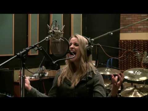 Gabriela Gunčíková - How To Sing Dave Grohl - The Pretender - Foo Fighters - KenTamplinVocalAcademy