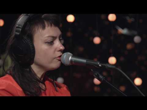 Angel Olsen - Intern (Live on KEXP)
