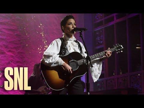 Halsey: Finally // Beautiful Stranger (Live) - SNL