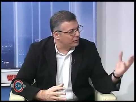 Mićko Ljubičić imitira Aleksandra Vučića
