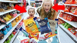 KiDS GROCERY SHOPPiNG CHALLENGE! 🤑🍩🍬