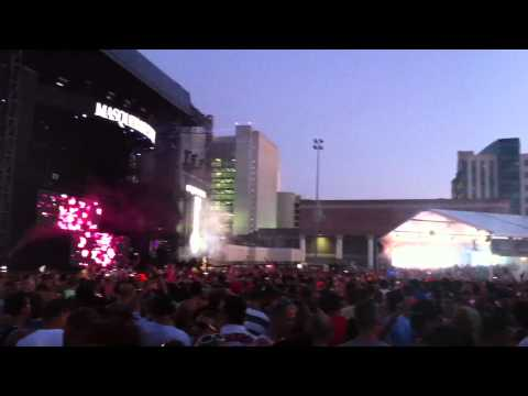 CALVIN HARRIS PLAY WE FOUND LOVE (RIHANNA) MASQUERADE MOTEL MIAMI 2012-GIUNOB
