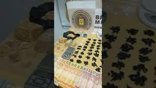 Homem é preso pela BM, com mochila cheia de drogas, no Bairro Pedras Brancas, em Guaíba