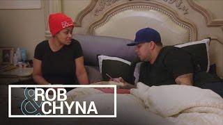 Rob & Chyna | Is Blac Chyna Hiding Something on Her Phone? | E!