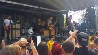"Silverstein  - ""Smile In Your Sleep"" (Live @ Warped Tour 2015)(HD)"