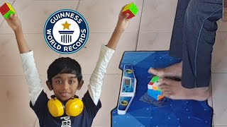 2 hands + 2 feet = 3 cubes solved - Guinness World Records