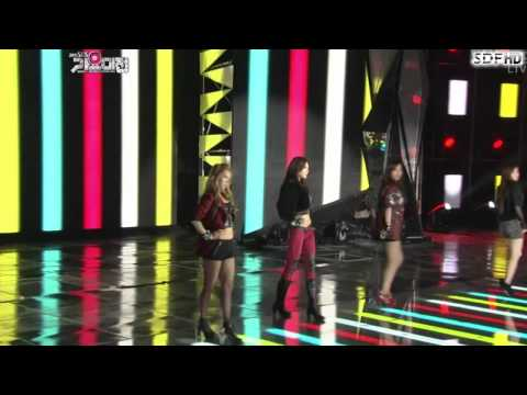 111229 SNSD,Super Junior - Moves Like Jagger