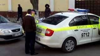 Poliția patrulare face ordine la chemare