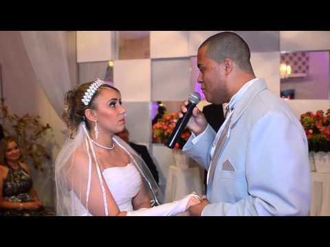 Baixar Casamento de Rogério e Tathiane: Noivo canta para noiva no altar...