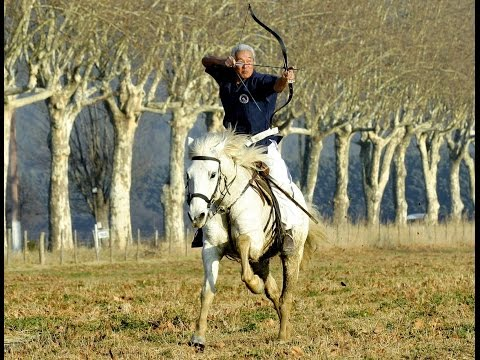Ёсэйкан ба-дзюцу - часть боевого тренинга японских воинов верхом на коне.